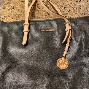 Michael Kors Bags - Black Michael Kors Shoulder Bag